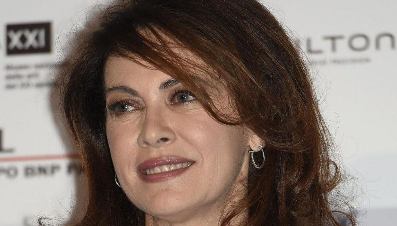 Elena Sofia Ricci, dopo amori tormentati, è felicemente sposata con il direttore d'orchestra Stefano Mainetti